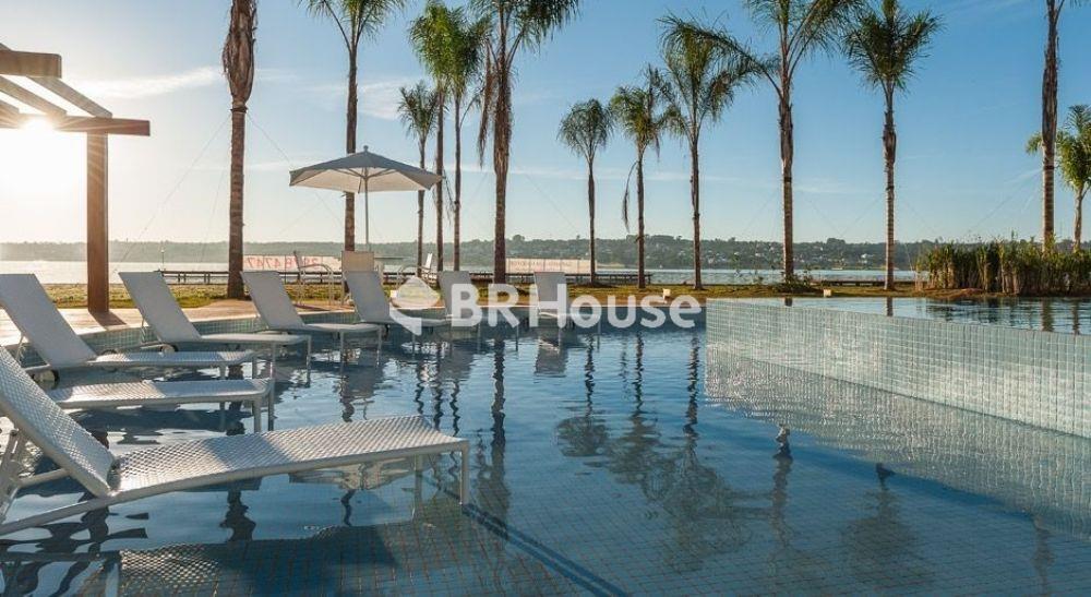 imagem-real-da-piscina-com-deck-molhado-brisas-do-lago-1605